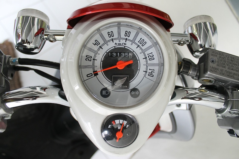 fuel gage on a honda motorcycle