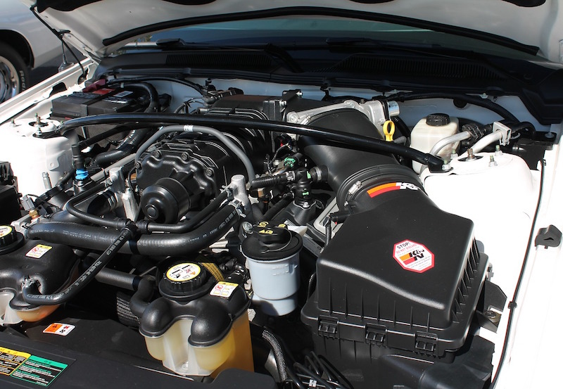 clean car engine