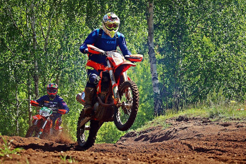 dirt bike with handguards